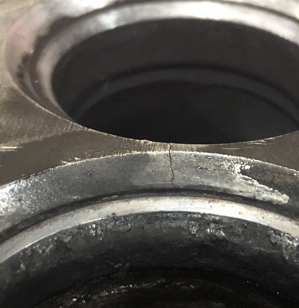 photo of a crack in a cylinder head